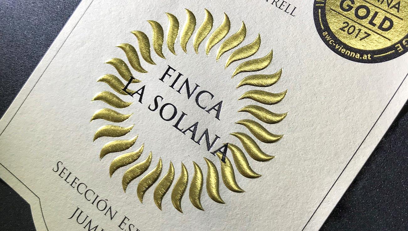 Grandes posibilidades en el etiquetado del vino