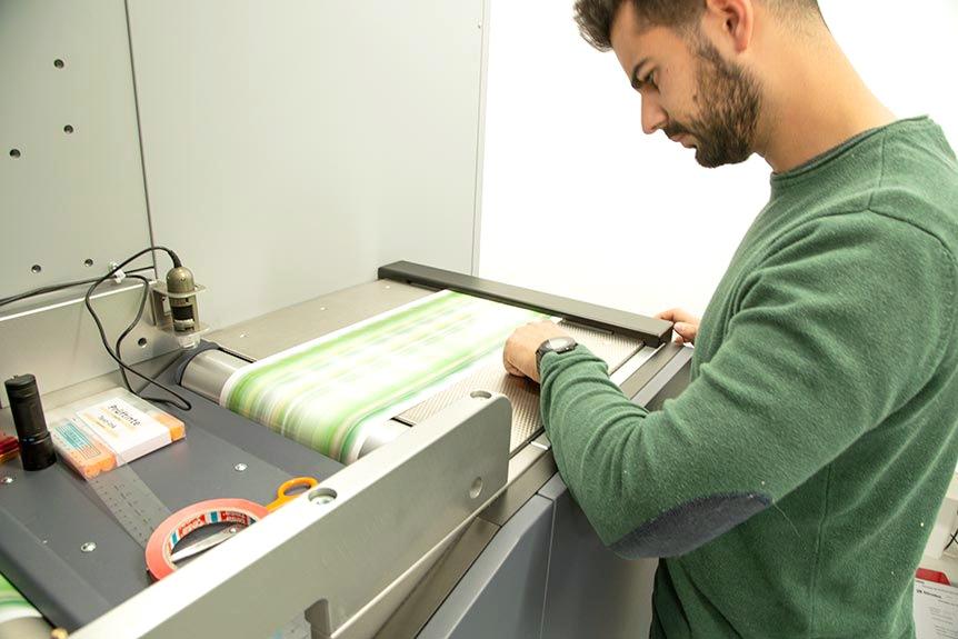 Optimización y perfeccionamiento del proceso de impresión de etiquetas autoadhesivas